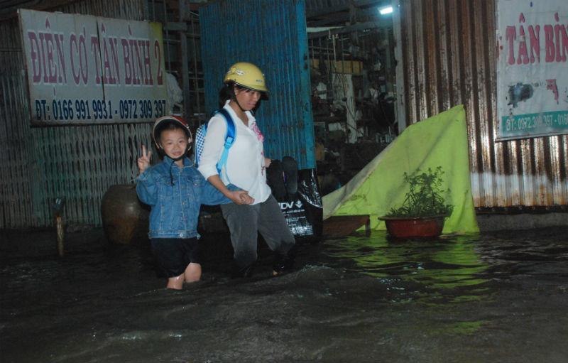 Chôn chân ở 'rốn ngập' vùng ven Sài Gòn