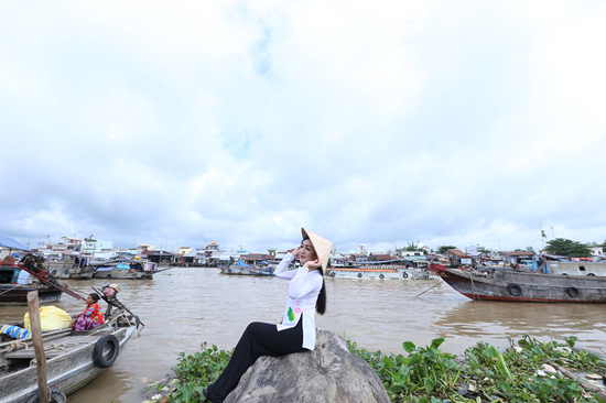 Hà Vân, Quý Bình, làng sao