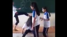 Nữ sinh bị nhóm bạn đánh hội đồng, ngồi lên đầu, lột áo ngay tại lớp