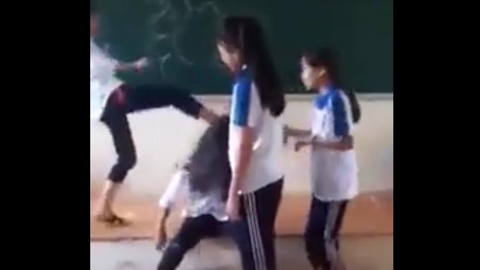 nữ sinh đánh nhau,nữ sinh,bạo lực học đường