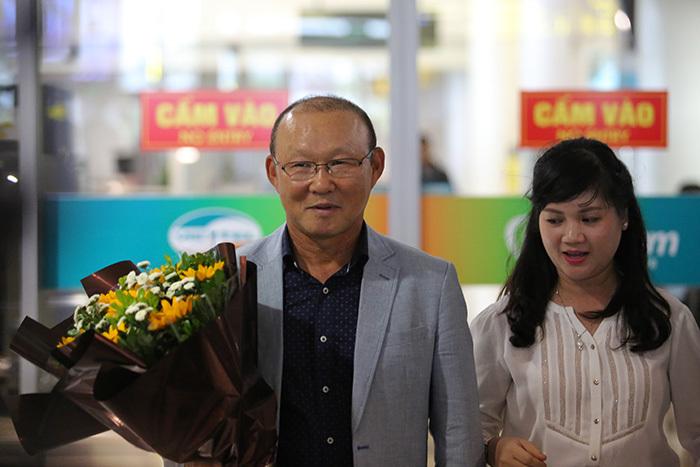 NHM có thực sự mừng vui khi bóng đá Việt 'kết duyên' với nhà cầm quân từng góp mặt ở World Cup này?