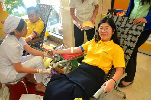 Ngày hội Đỏ Nam A Bank góp gần 200 đơn vị máu
