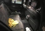 Ô tô Mercedes gửi trong siêu thị bị đập kính lấy sạch tài sản