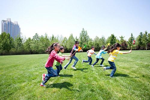 Nuôi dạy con: Nhìn hành vi, hướng nết người