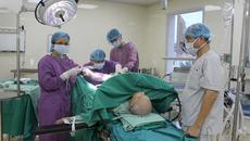 Cắt bao quy đầu, u tuyến tiền liệt cho cụ 104 tuổi