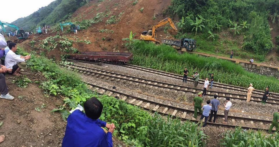 Lo ngại khu vực núi lở vùi lấp tàu ở Yên Bái có bom