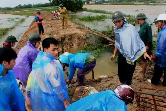 Xả lũ, vỡ đê ở Thanh Hóa nhấn chìm hàng trăm hộ dân