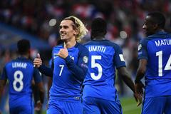 """Griezmann và Giroud """"nổ súng"""", Pháp đoạt vé sang Nga"""