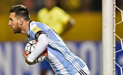 Ecuador 1-1 Argentina: Messi gỡ hòa