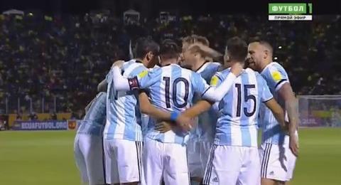 Ecuador 1-2 Argentina: Cú đúp của Messi