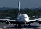 Người xem run sợ trước cảnh máy bay hạ cánh ngược gió