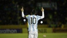 Messi lập hat-trick, Argentina lấy vé dự World Cup ngoạn mục