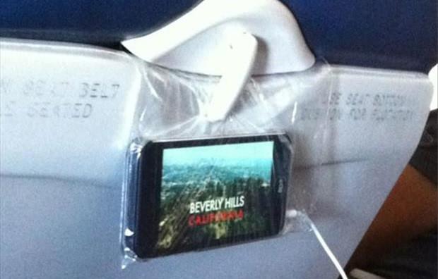 10 mẹo nhỏ hữu ích trên máy bay