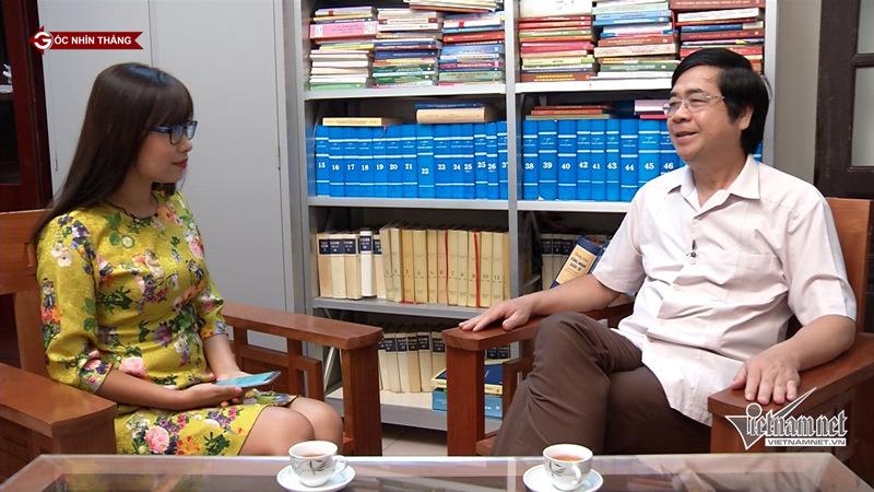 PGS.Ts Nguyễn Minh Tuấn, Viện trưởng Viện Xây dựng, Học viện Chính trị Quốc gia Hồ Chí Minh và nhà báo Phạm Huyền