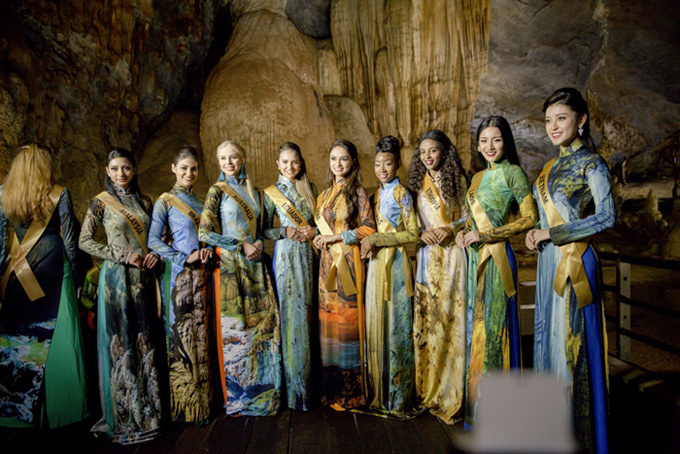Top 20 Miss Grand tạo dáng với áo dài trong động Thiên Đường - ảnh 7
