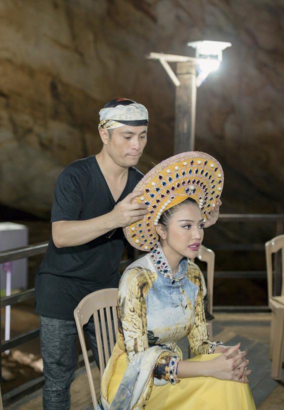 Top 20 Miss Grand tạo dáng với áo dài trong động Thiên Đường - ảnh 4