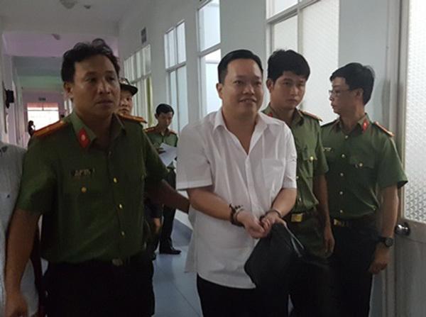 Giám đốc thuỷ sản, Đại gia, Agribank, Cần Thơ