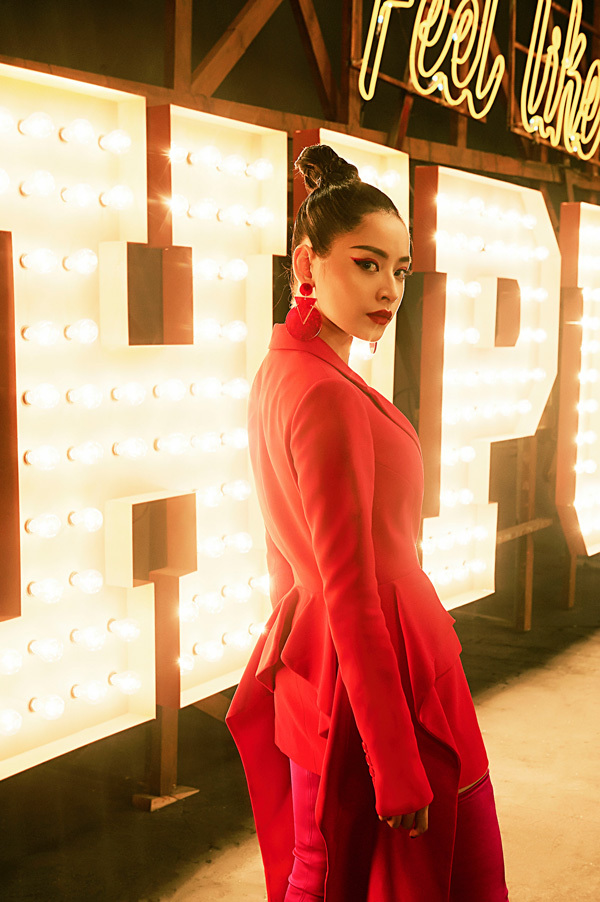 Chi Pu cực cá tính trong MV âm nhạc đầu tay