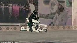 Chiếc xe bay tối tân của cảnh sát Dubai