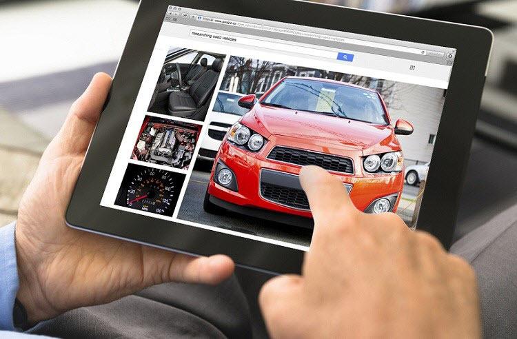 Loạn buôn ô tô online: Lướt web mua xe, ôm hận mất tiền oan - Ảnh 1.