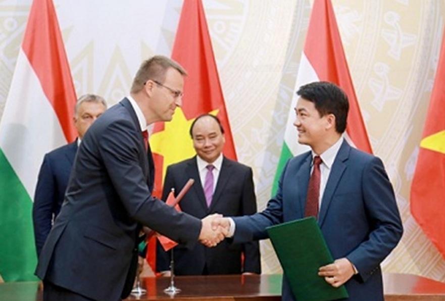 Việt Nam, Hungary, phóng xạ môi trường
