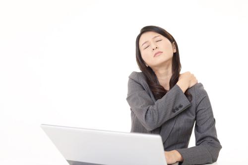 Một phụ nữ Việt làm việc nhiều hơn nam giới 300 giờ/năm