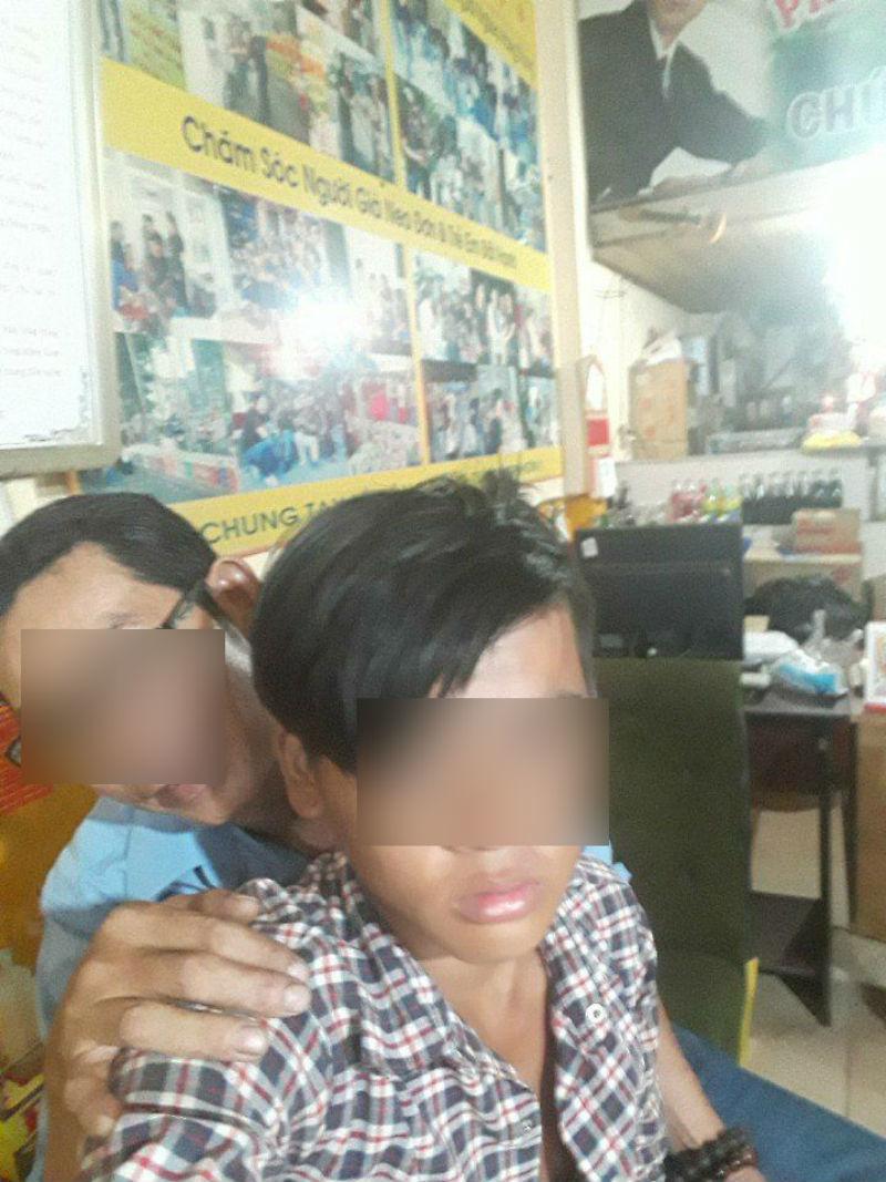 Bé trai 15 tuổi tố bị người đàn bà U60 xâm hại tình dục