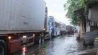 Quốc lộ 1A ngập sâu, ngàn phương tiện tê liệt