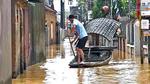Hà Nội: Vỡ đê Chương Mỹ, ngàn dân vật lộn giữa dòng lũ