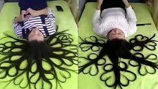 Mái tóc ma thuật khiến các chị em khóc thét