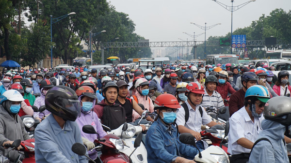 Mưa lớn, ngập nước, kẹt xe, Sài Gòn