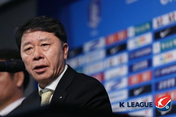 Chung Hae Soung, HAGL, bầu Đức, Công Phượng, HLV Park Hang Seo
