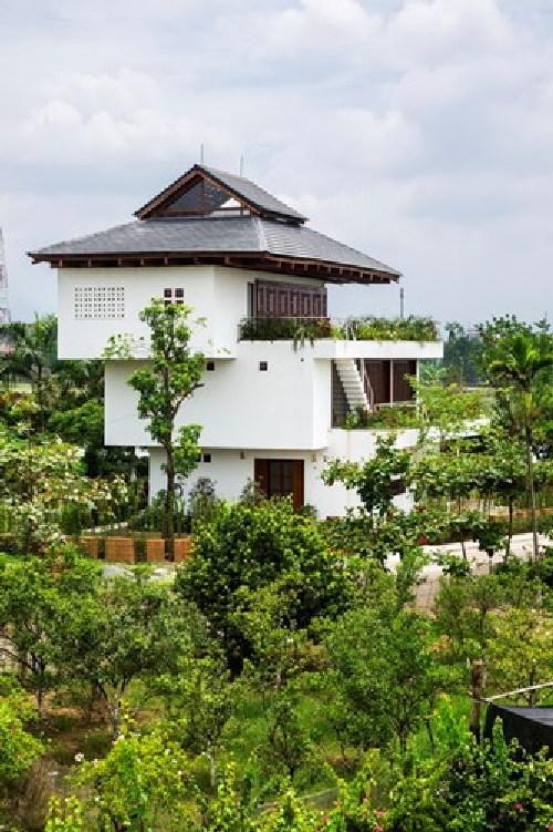 Nhà 3 tầng kiến trúc khối hộp trượt lạ mắt ở Vĩnh Phúc