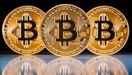 Tiền ảo Bitcoin tăng giá gần 500%, xác lập kỷ lục mới