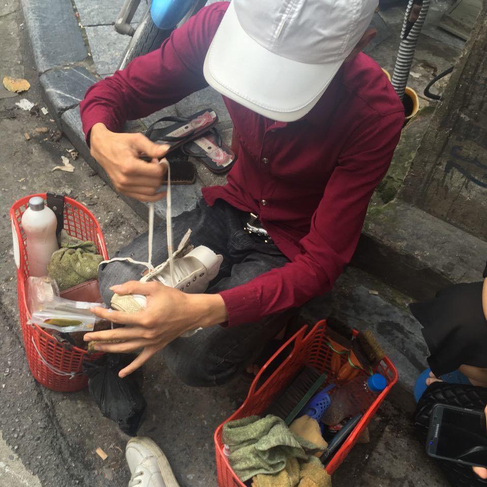 nghề đánh giày,thợ đánh giày phố cổ,tình yêu
