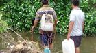 Người Sài Gòn quăng lưới bắt cá trên đường ngập 2 ngày chưa rút