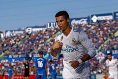 Ronaldo giải cơn khát, Real Madrid thắng nhọc nhằn