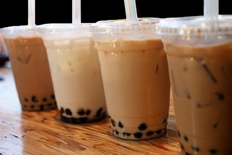 Giới trẻ phát sốt với trà sữa kem phô mai Trung Quốc