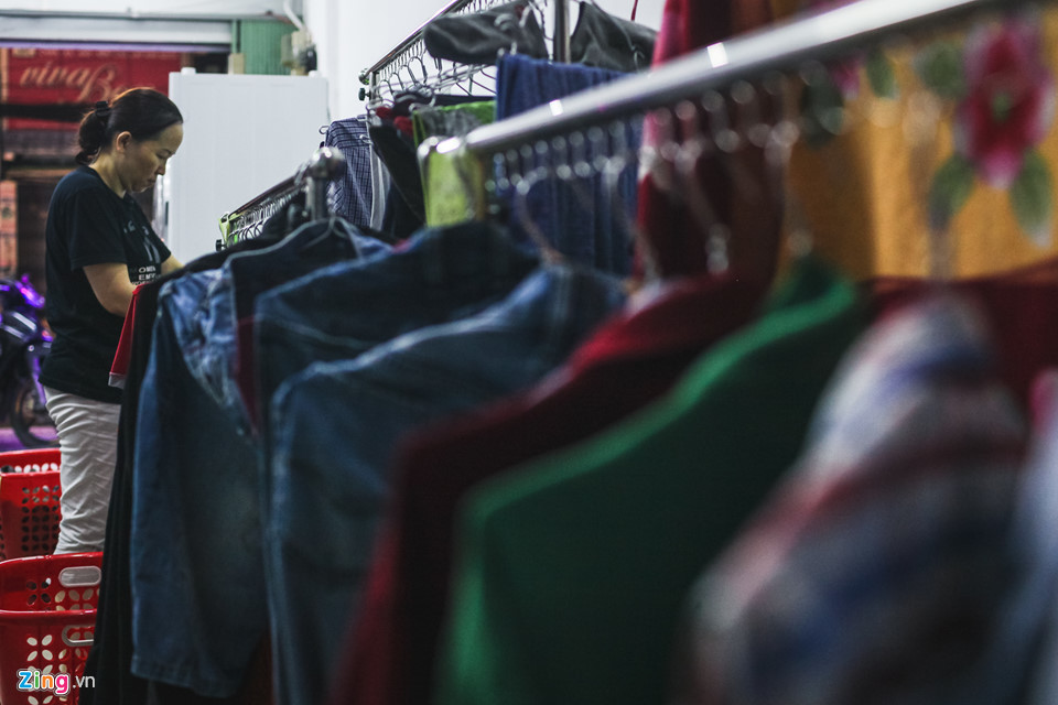 Cửa hàng giặt sấy tự động nở rộ ở TP.HCM