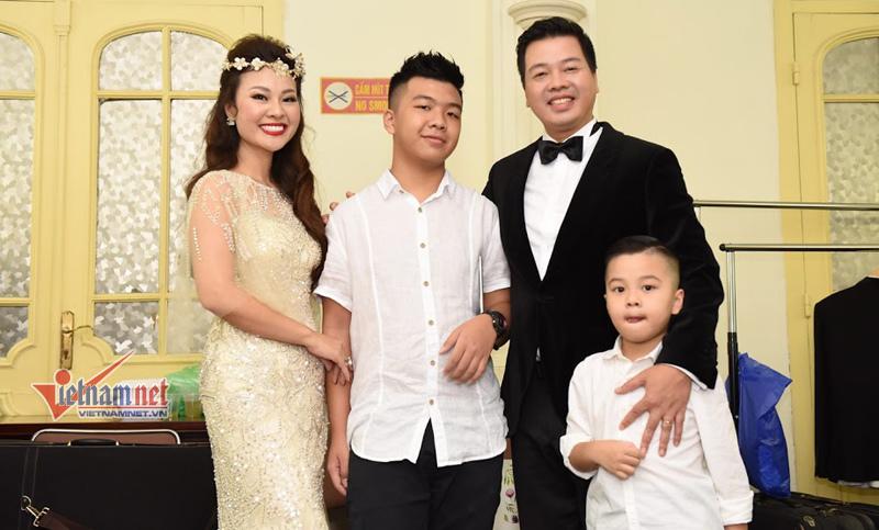 Khi 'giọng ca nam opera số 1 Việt Nam' bật khóc