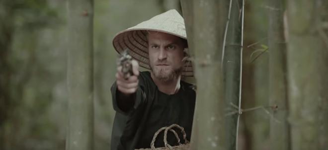Chàng Tây được 'săn lùng' sau khi xuất hiện 3 giây trong MV của Mỹ Tâm