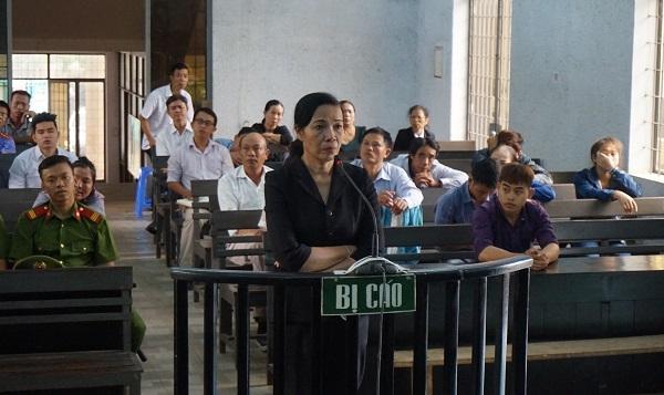 Phó chánh án vòi 80 triệu chạy án bị tuyên 12 tháng tù