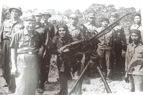 Chuyến thị sát đặc biệt của Tổng Tham mưu trưởng Lê Đức Anh