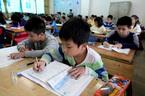 Cấm dạy ngoài sách giáo khoa: Yêu cầu cứng nhắc!