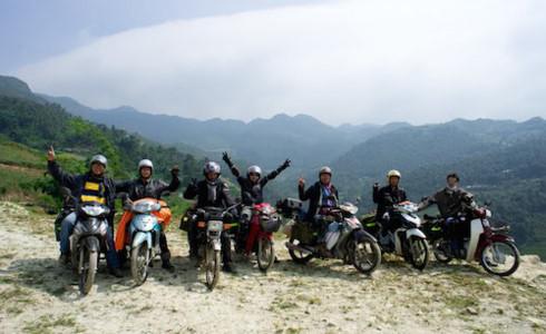 'Bỏ túi' kinh nghiệm phượt bằng xe máy an toàn