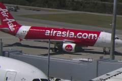 Máy bay rơi tự do hàng nghìn mét, khách sợ đứng tim