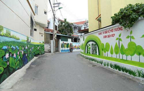 Đẹp lạ đường làng bích họa đầu tiên ở Hà Nội