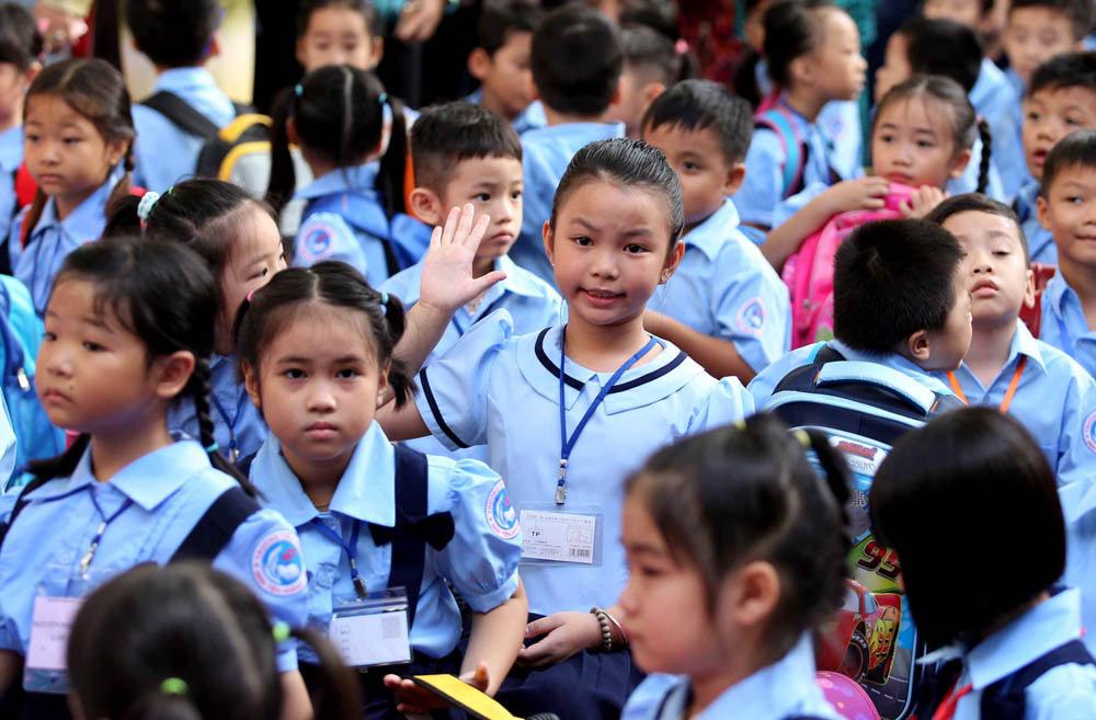 'Không nên thu bất kỳ khoản nào của học sinh tiểu học'