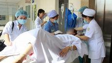 Hi hữu: Tử cung sản phụ lộn ra ngoài sau khi sinh