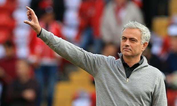 Tiền khiến Mourinho rời MU, Tottenham ra giá bán Kane